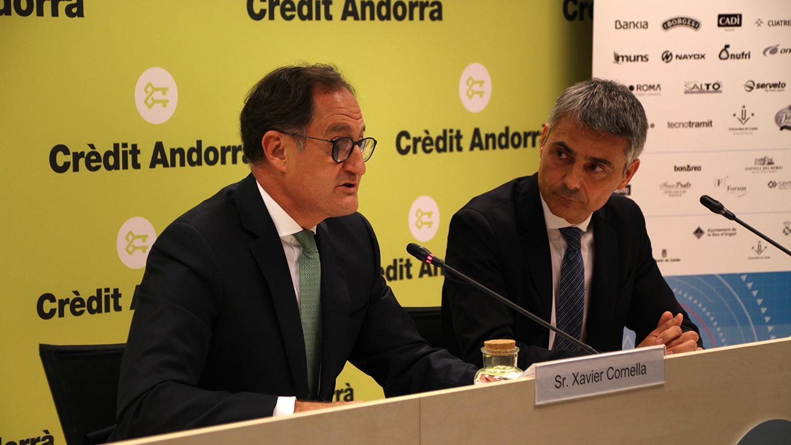El conseller executiu i director general de Crèdit Andorrà, Xavier Cornella, i el president de la Trobada Empresarial al Pirineu, Vicenç Voltes, en la roda de premsa de presentació de la cita. / M. M. (ANA)