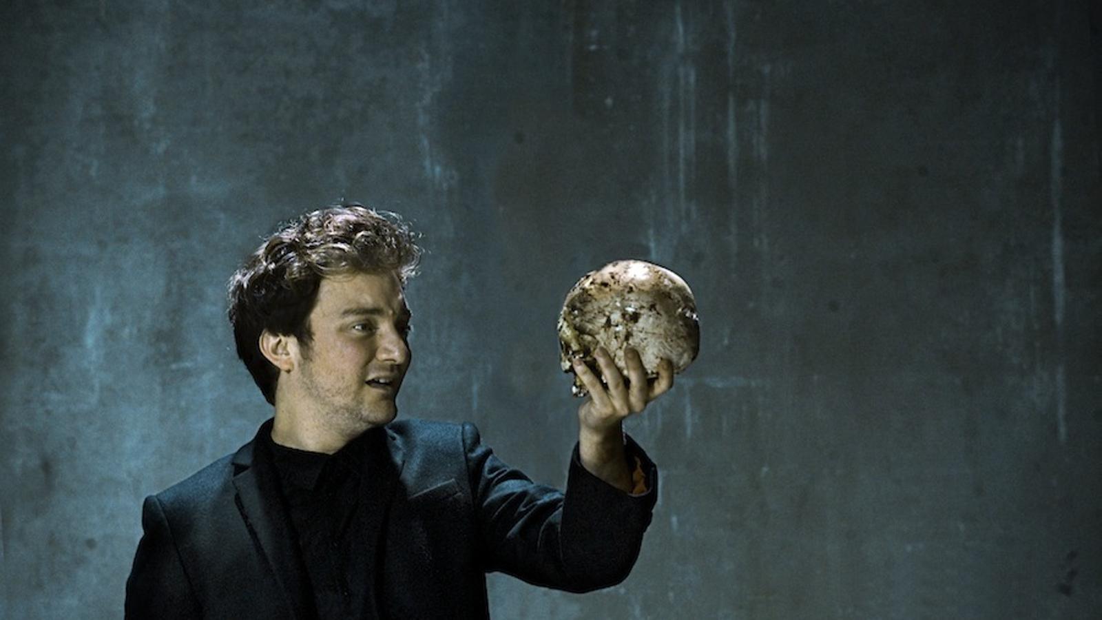 Pol López és Hamlet / ROS RIBAS