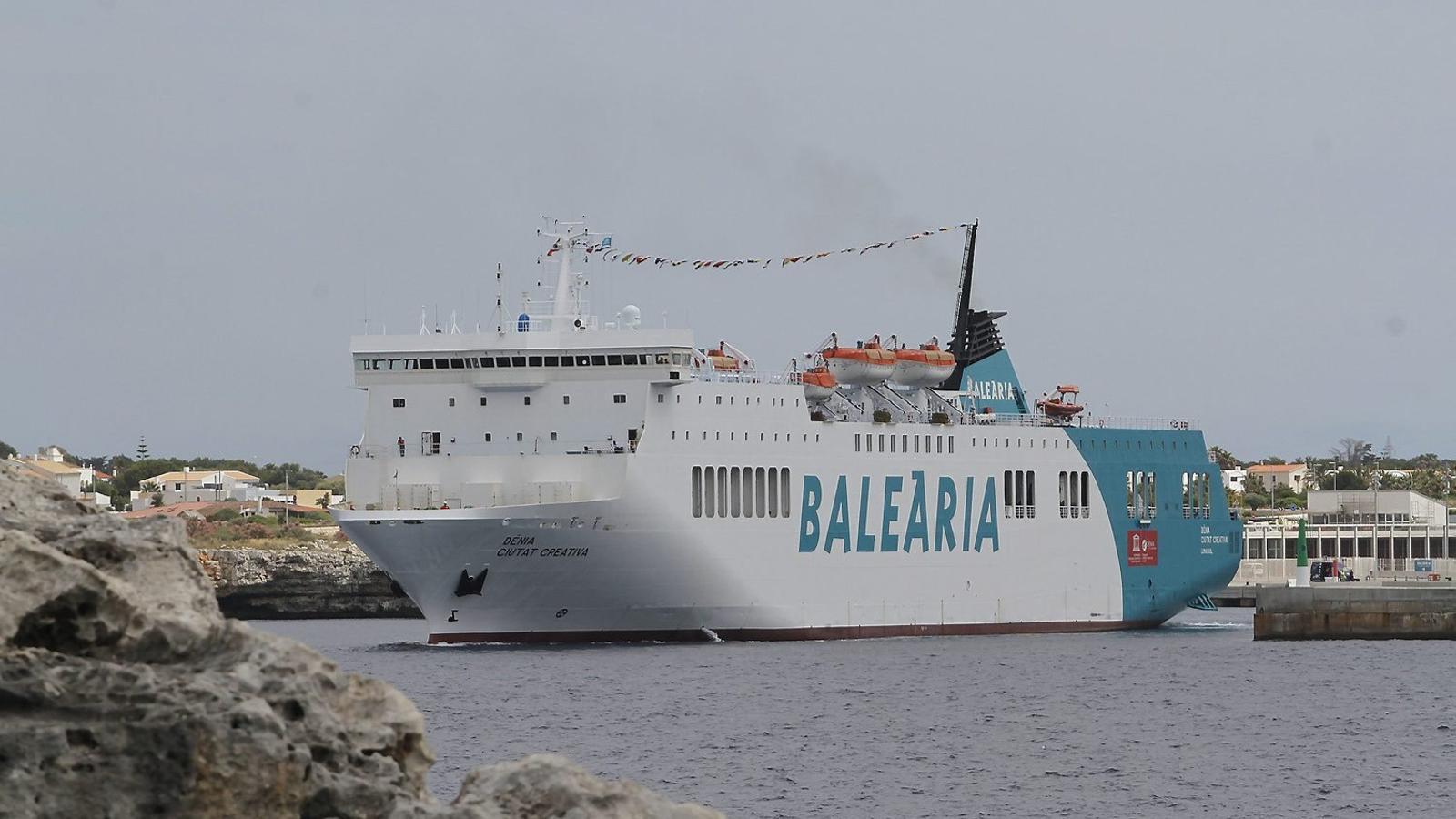 Balearia obté 131M€ dels bancs per construir el seu 'ferri verd'