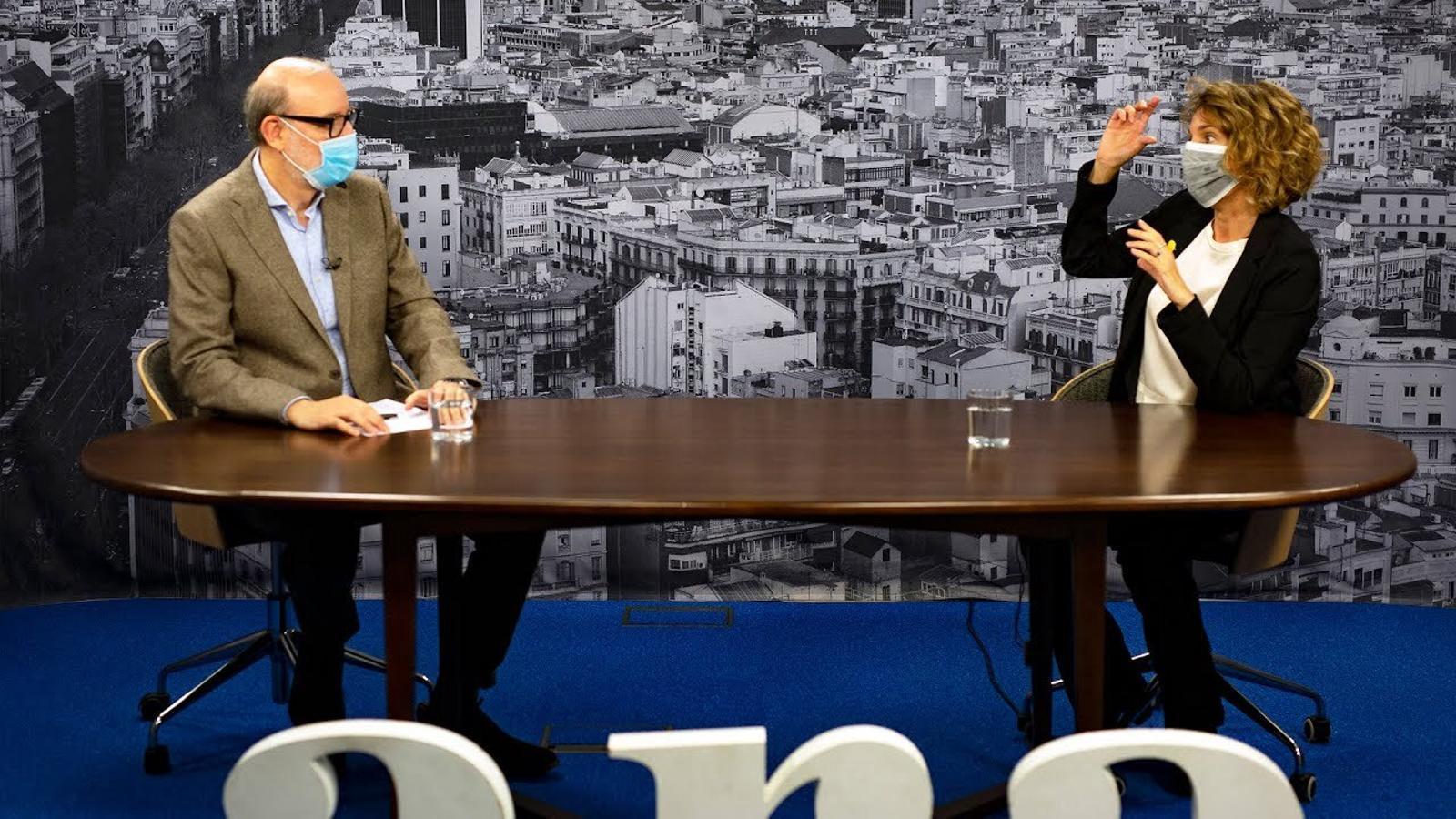 Entrevista d'Antoni Bassas a Àngels Chacón