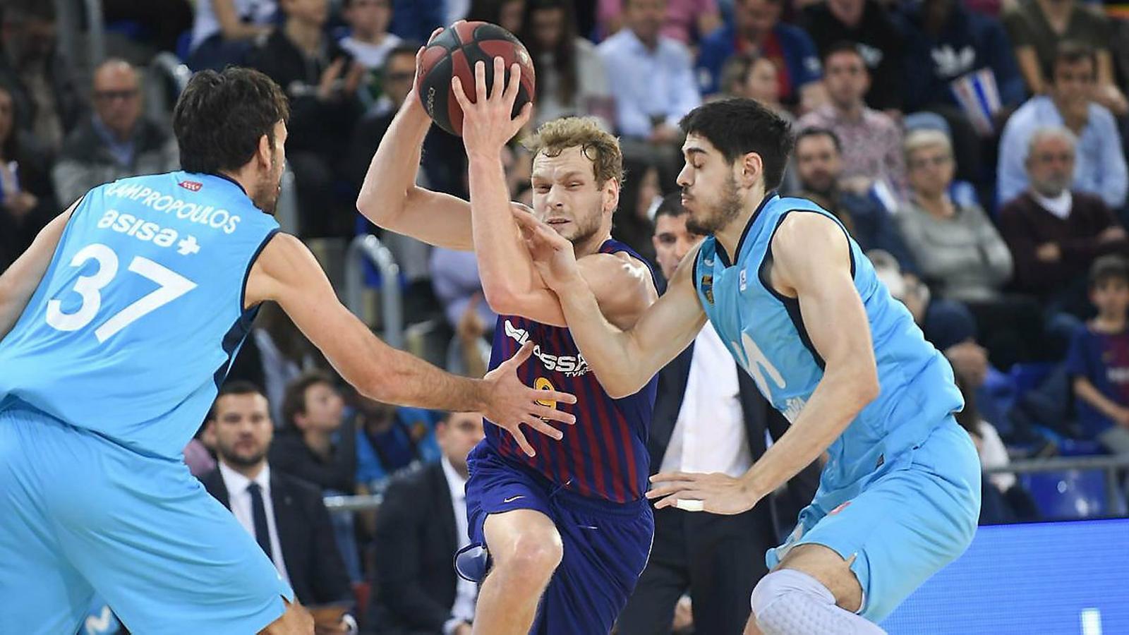 El Barça es desperta al segon quart i supera l'Estudiantes (90-76)
