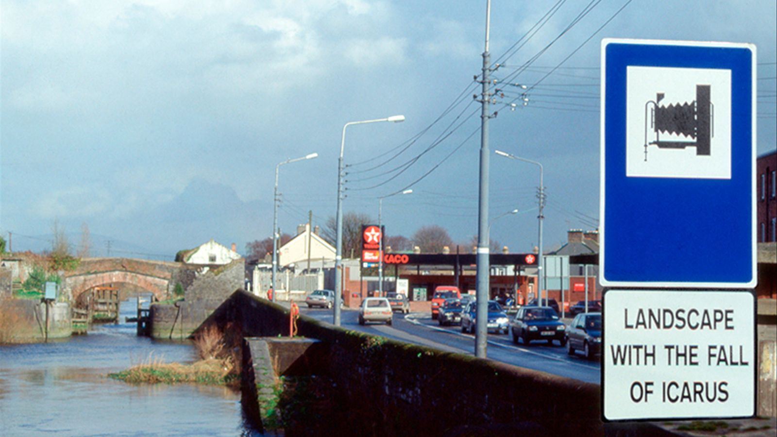 Landscape with the fall of Icarus de Rogelio López Cuenca