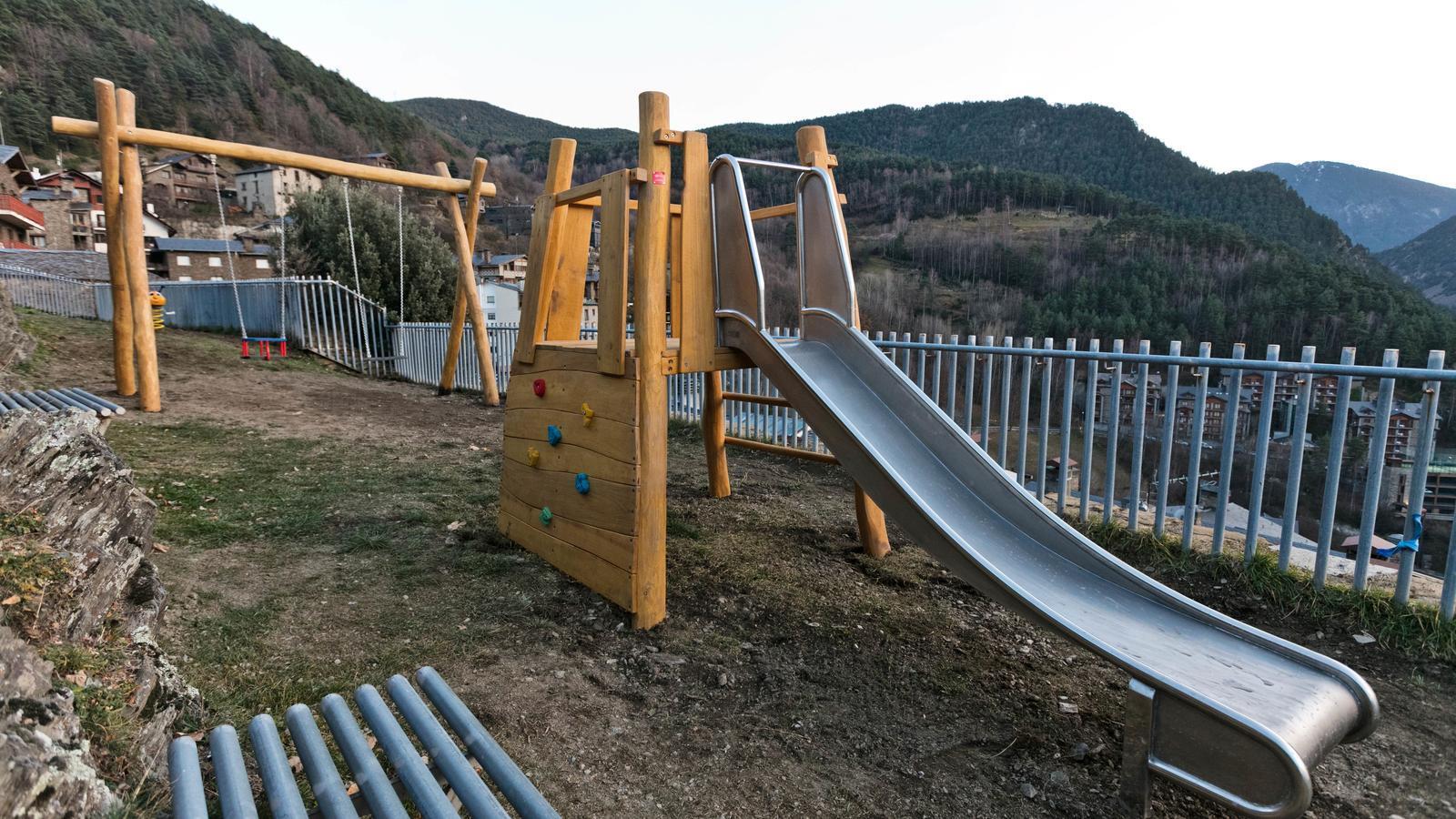 Un  dels nous parcs infantils més a la Massana. / COMÚ DE LA MASSANA