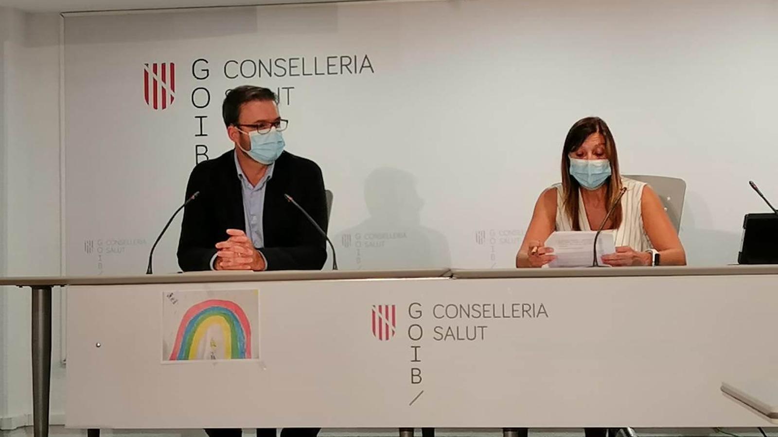 El batle de Palma, José Hila, i la directora general de Salut Pública, Maria Antònia Font.
