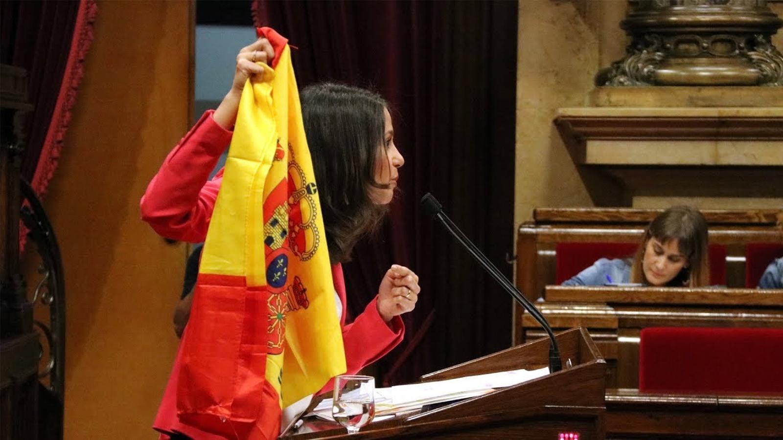 """Arrimadas: """"Vostès insulten i humilien milions de catalans"""""""