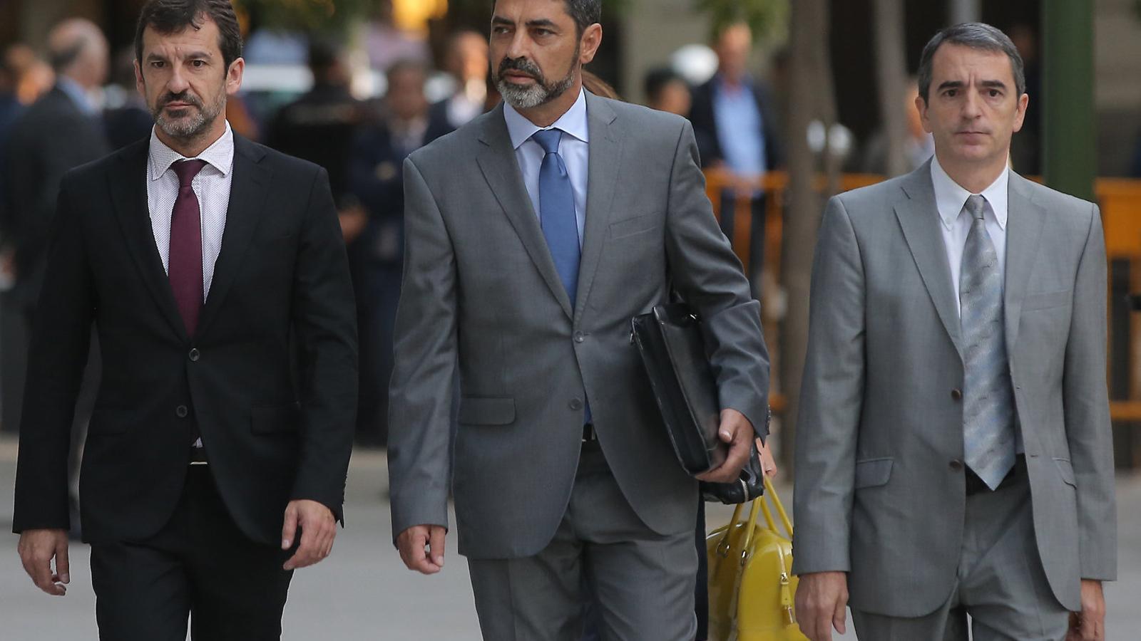 Trapero, el segon dia que va anar a declarar a l'Audiència Nacional, acompanyat per López i Molinero.