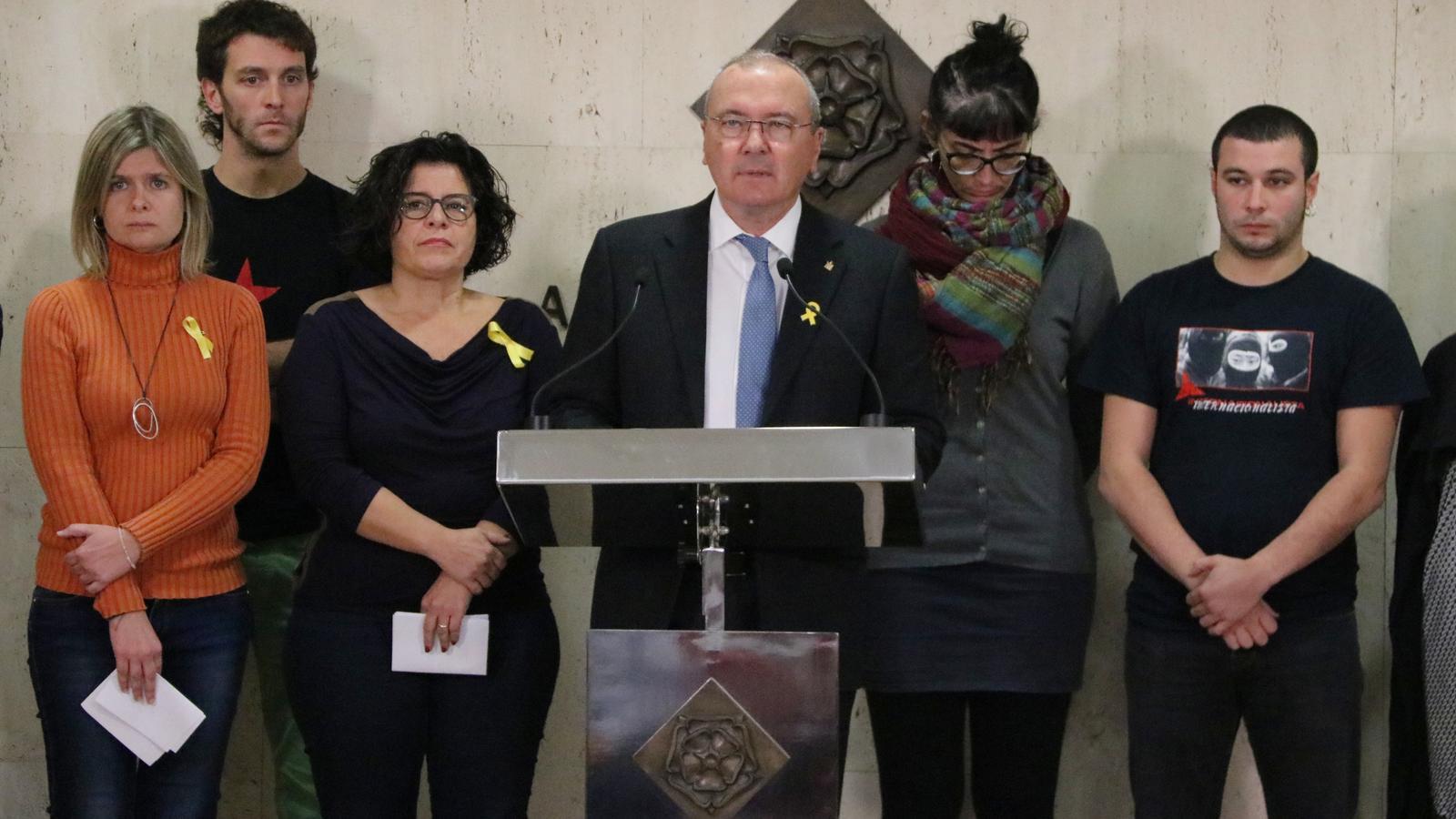 Un jutjat de Reus investiga l'alcalde, sis regidors, bombers i veïns per les mostres de rebuig a la Policia Nacional