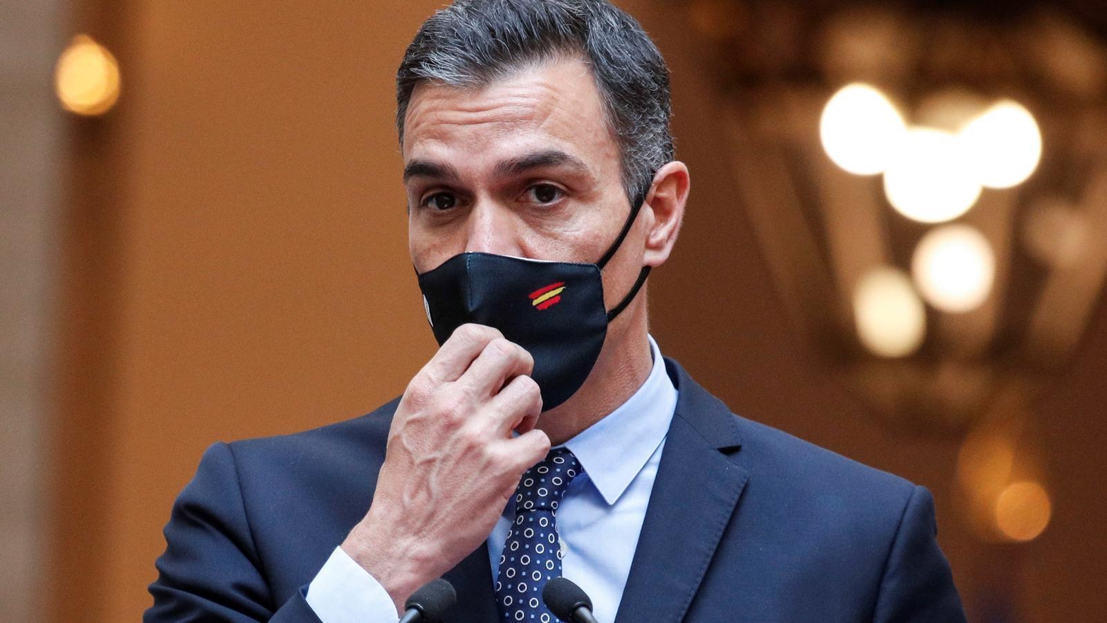 Sánchez es bolca en la moció de censura de Vox per pressionar el PP