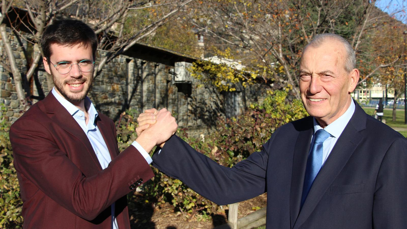 El candidat de Desperta Laurèdia a Sant Julià, Cerni Cairat, i el cap de llista de Demòcrates + Independents a Escaldes-Engordany, Miquel Aleix. / A. S.