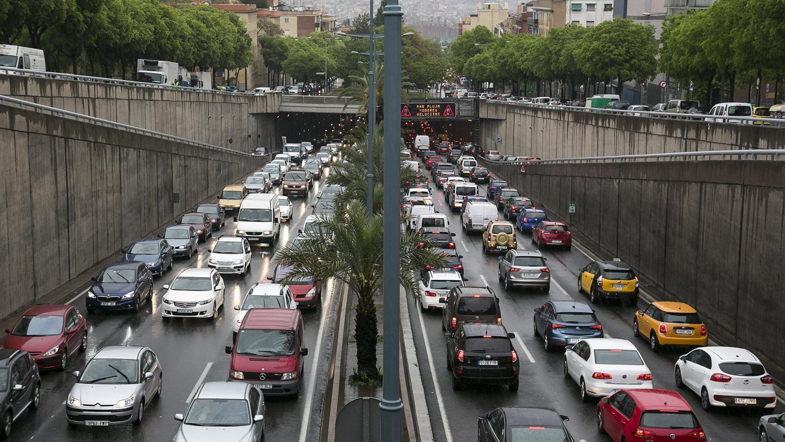 L'impost català a les emissions de CO2 ja està a punt i afectarà 3,6 milions de vehicles