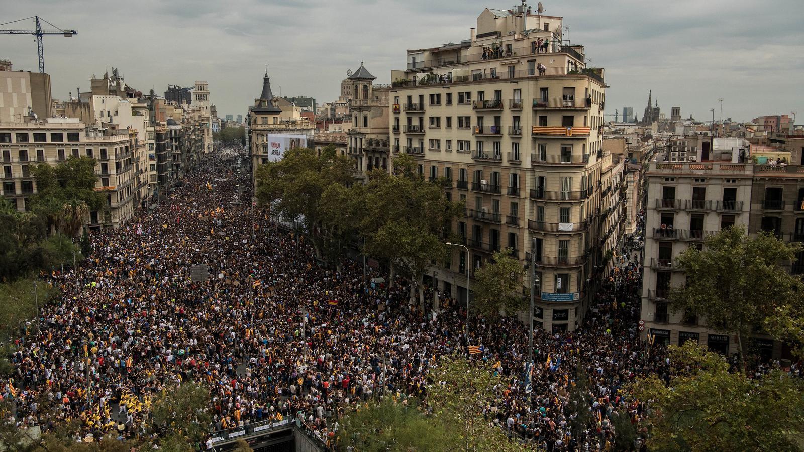 La intersindical csc proposa una nova vaga general d 39 una - Placa universitat barcelona ...
