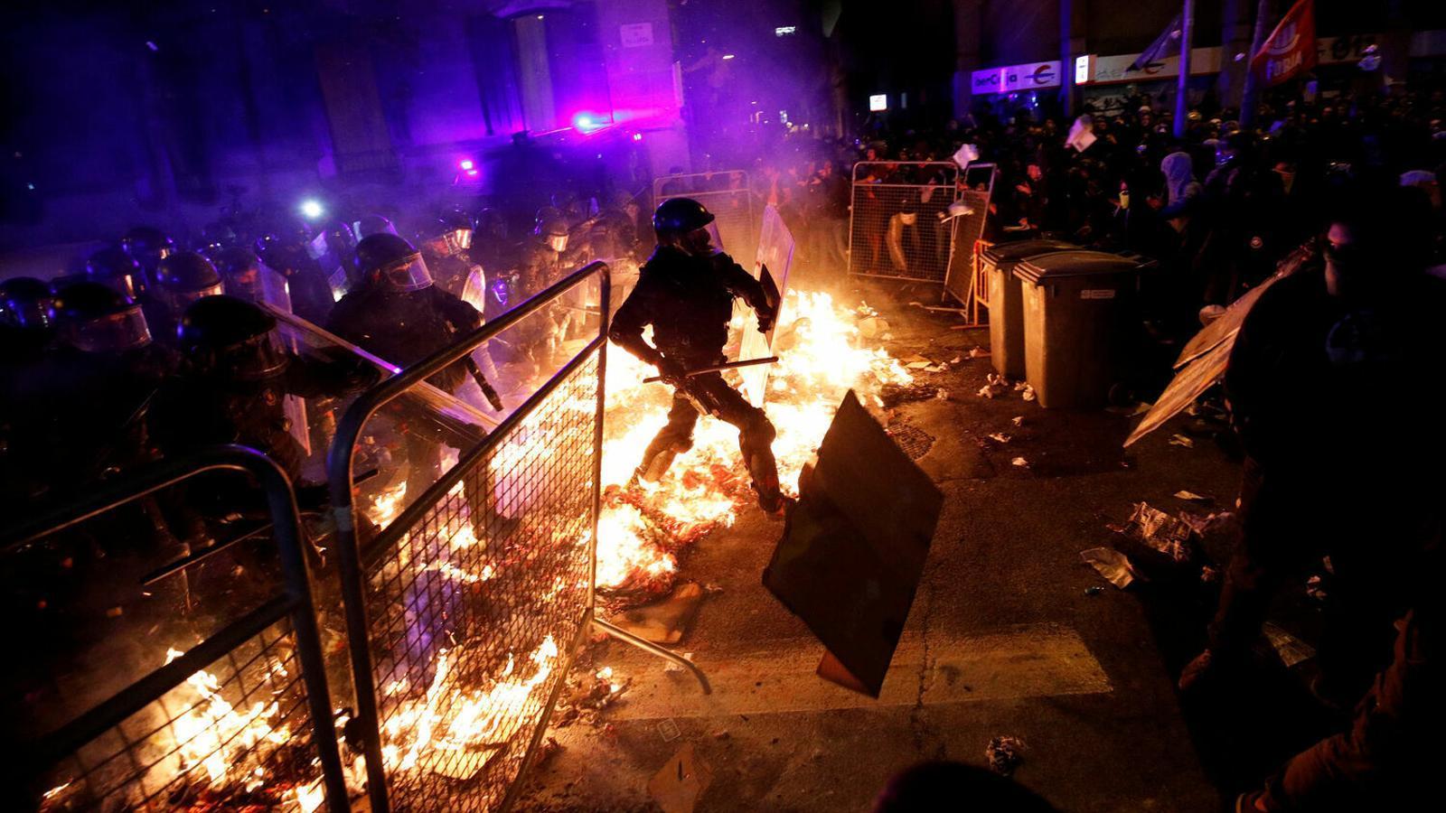 La Generalitat ejerce de acusación contra una cuarentena de independentistas