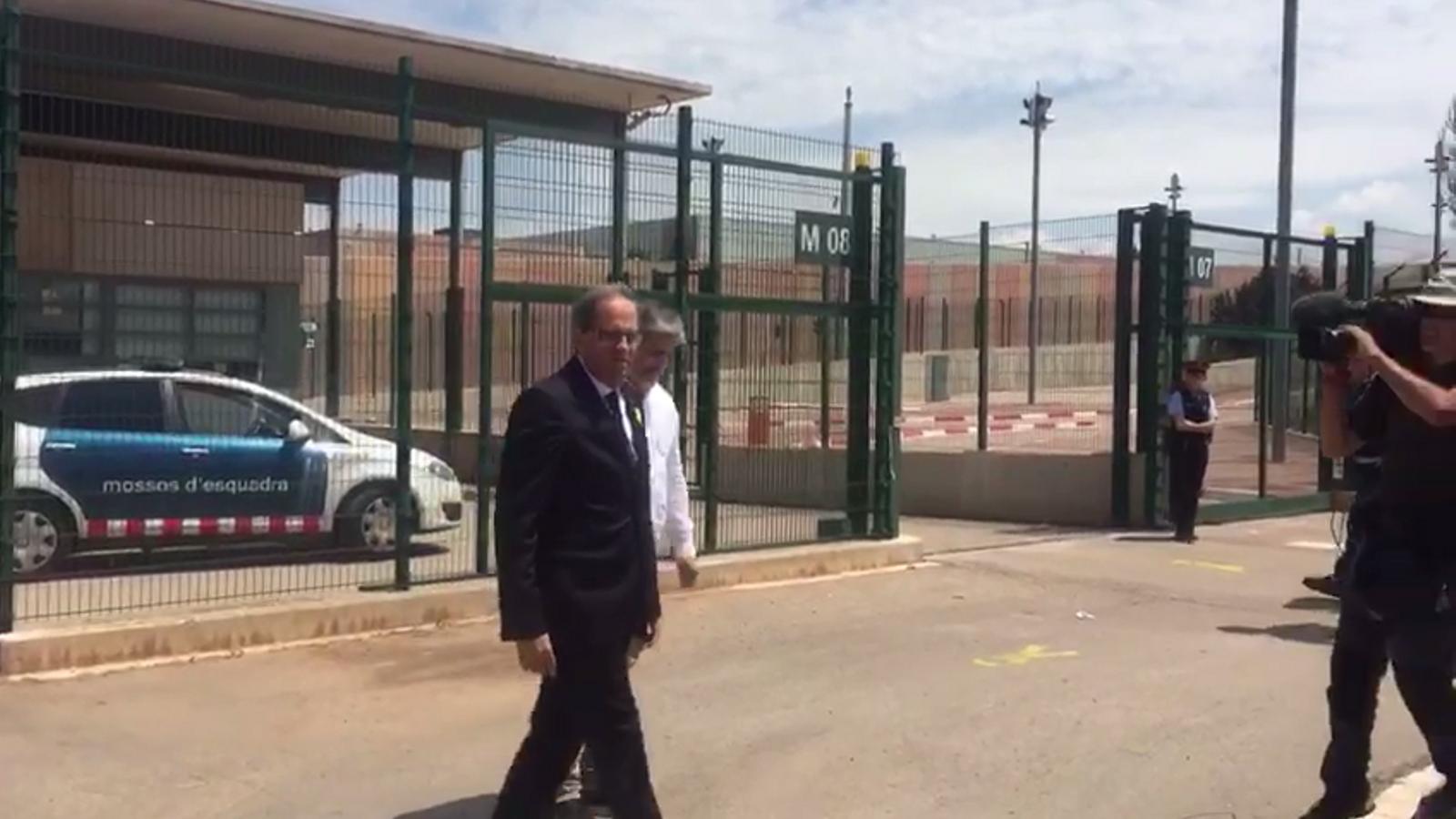 Quim Torra surt de la presó de Lledoners després de visitar els presos polítics