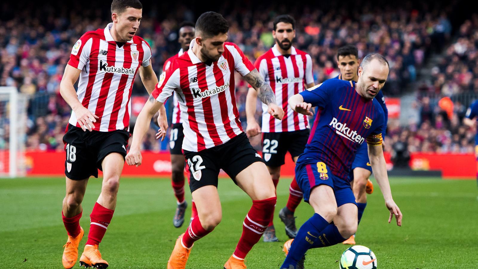 El Camp Nou fa força perquè Iniesta es quedi