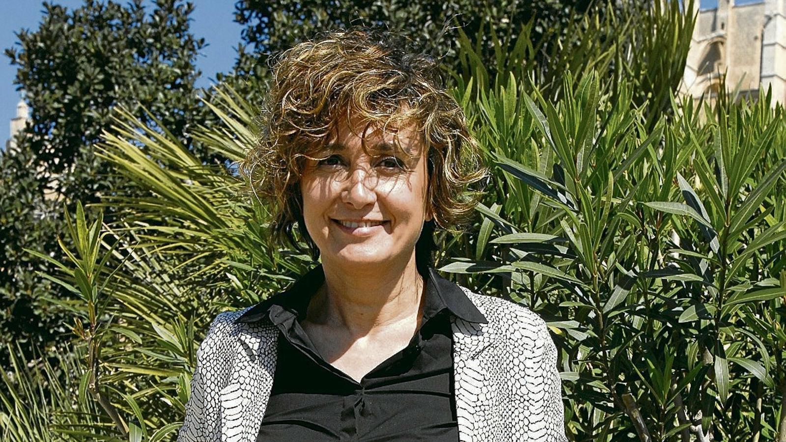 """Xisca Mora: """"Volem un lloguer vacacional regulat                                 i que també es pugui fer en sòl rústic"""""""