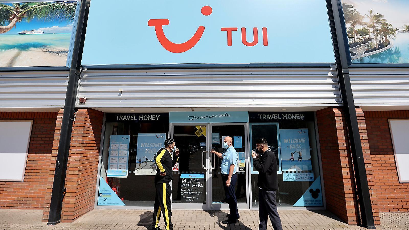 Unes oficines de TUI al Regne Unit en plena pandèmia.