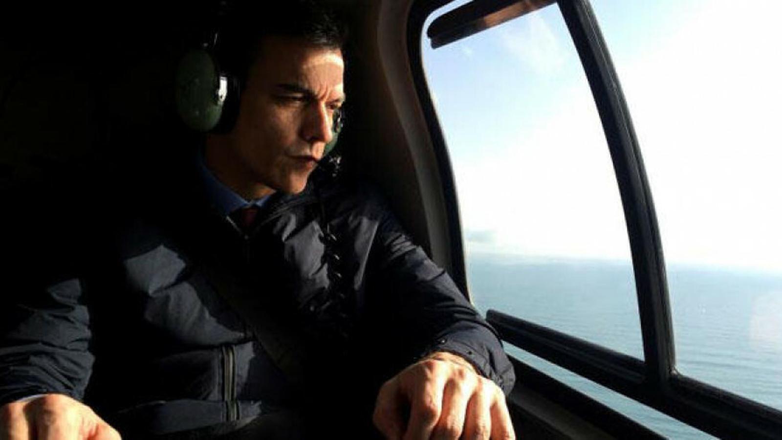 Pedro Sánchez sobrevola les Illes Balears amb l'helicòpter de la Guàrdia Civil