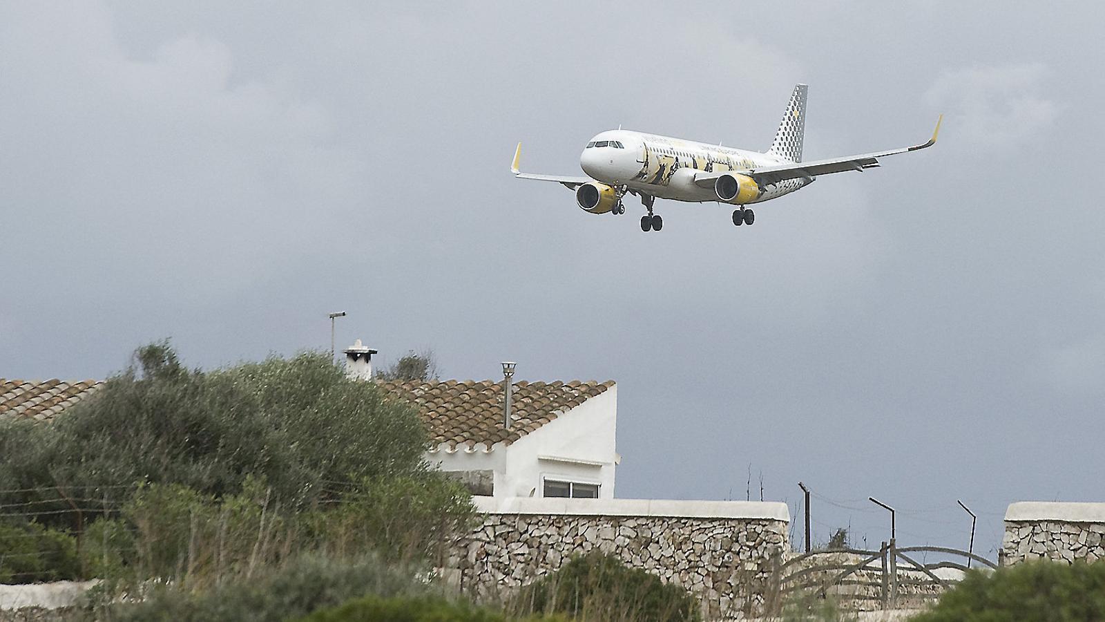 L'aeroport de Palma supera els límits de renou establerts per llei