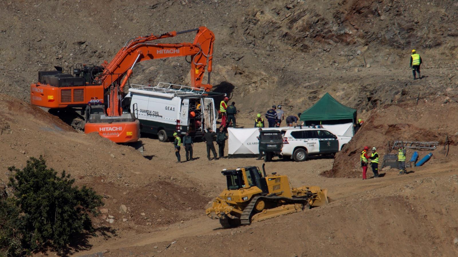 L'equip de miners que ha de rescatar el Julen encara el tram final