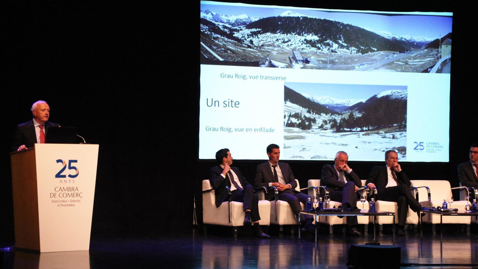 Presentació del 'Pla de Desenclavament d'Andorra', de la mà dels representants de les empreses aeronàutiques que han fet els estudis de viabilitat d'un futur aeroport andorrà.