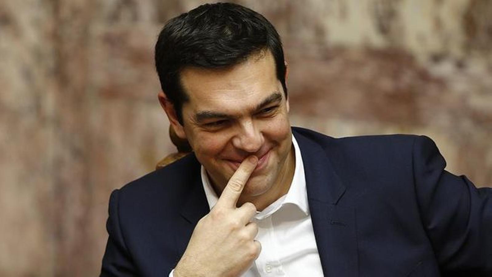 El govern liderat per Alexis Tsipras ha aconseguit que els socis de l'euro desbloquegin els diners del tercer rescat. IANIS BEHRAKIS / EFE