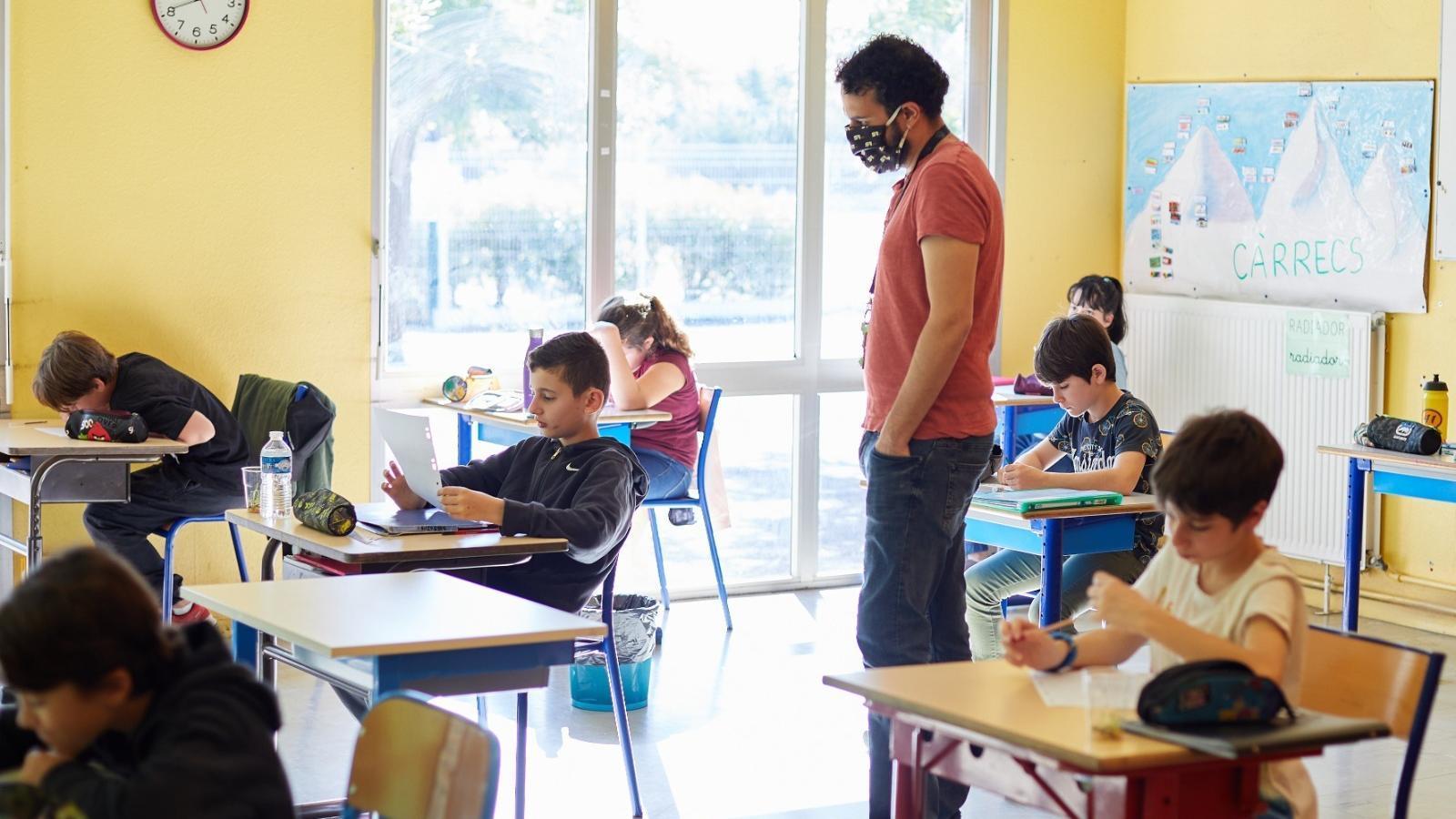 L'Estat planteja grups de 15 alumnes sense distància social ni mascareta fins a 4t de primària