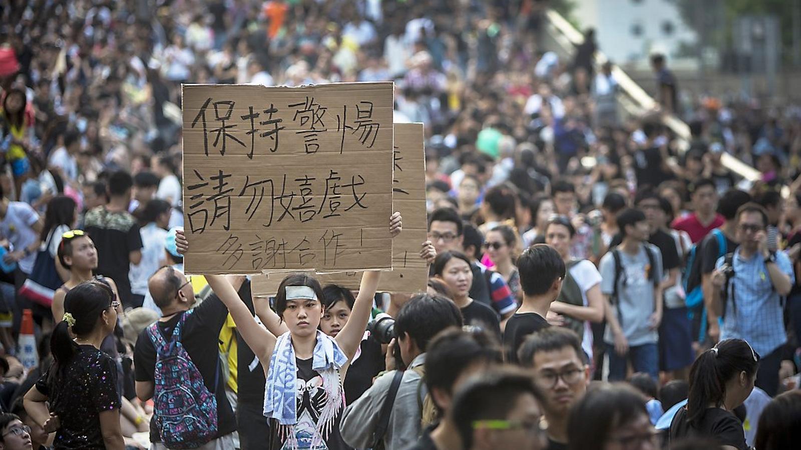 La 'revolució dels paraigües': la indignació disciplinada