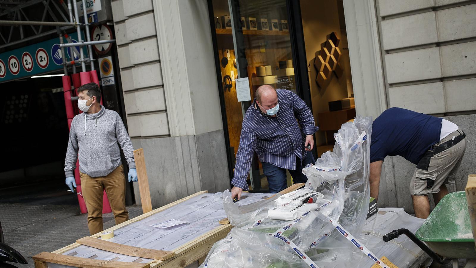 El petit comerç tem que els descomptes postconfinament agreugin la seva crisi