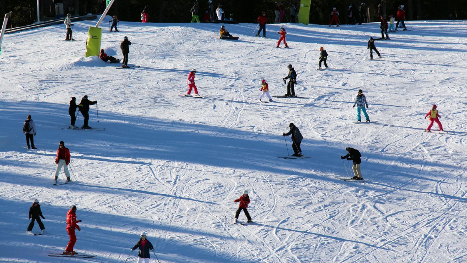 Esquiadors a les pistes de Pal. / C.G.