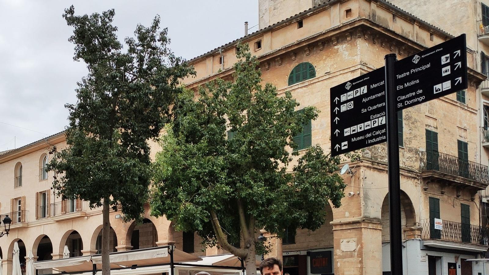 Els nous senyals a un dels accesos al centre de la ciutat