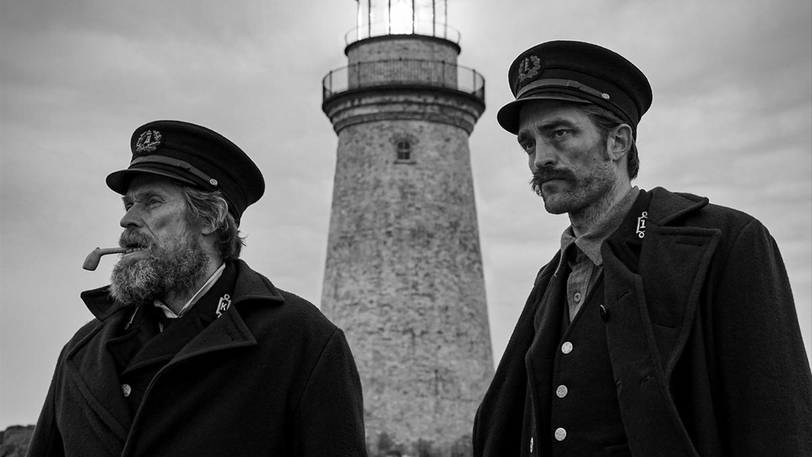 Pattinson i Dafoe, un duel memorable a 'The lighthouse'