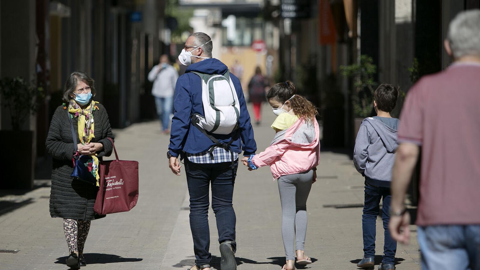 Multa de 100 euros a qui vagi sense mascareta als espais públics a Catalunya