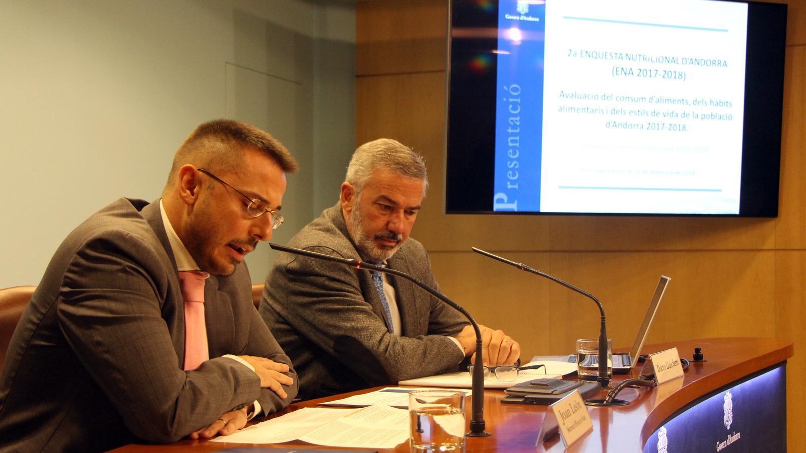 El secretari d'Estat de Salut, Joan León, i el doctor Lluís Serra, presenten els resultats de l'Enquesta Nutricional d'Andorra 2017-2018. / C. G. (ANA)