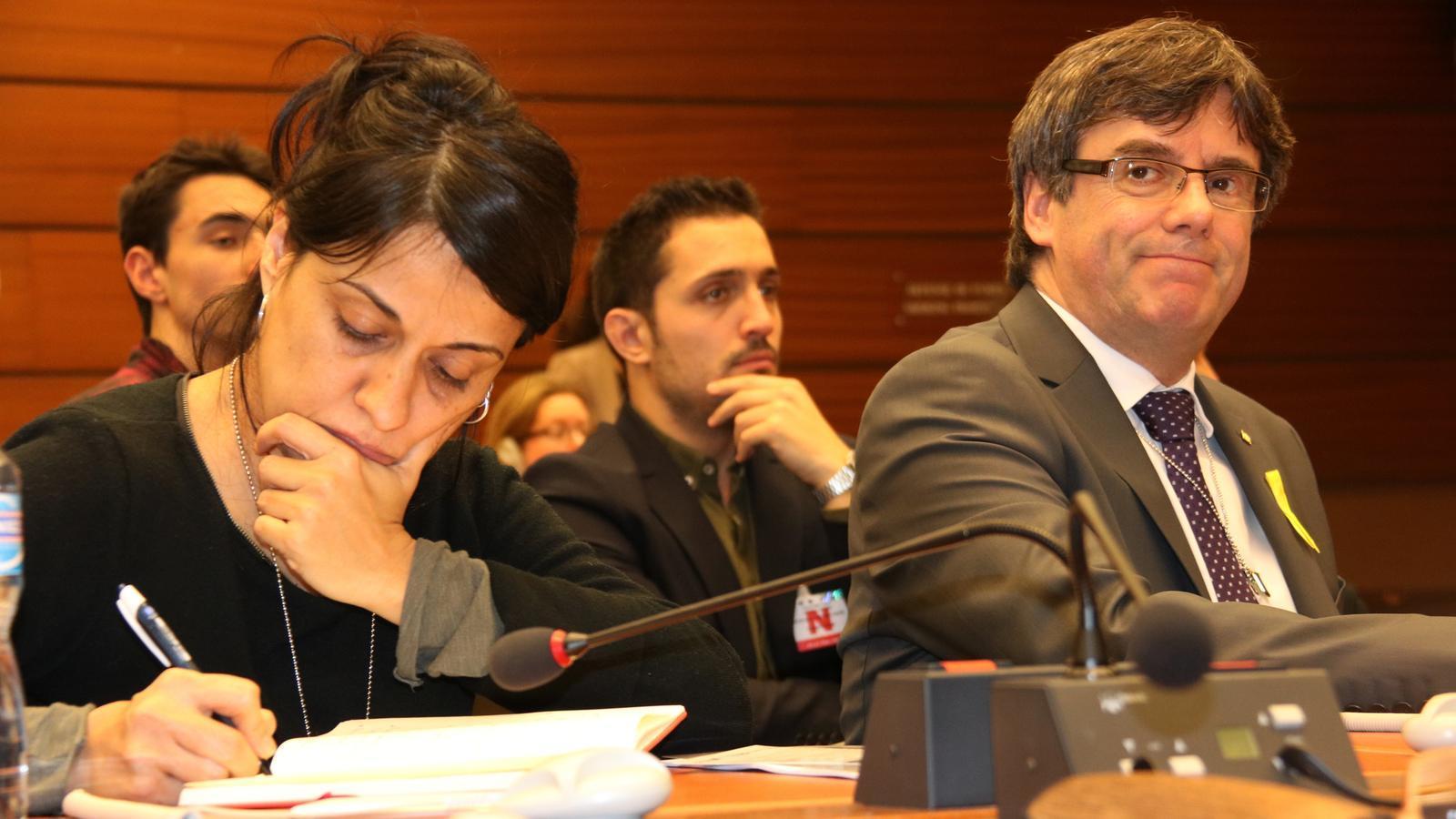 Els presos, el veto del Suprem a Sànchez i la violència policial de l'1-O centren l'acte de denúncia a la ONU