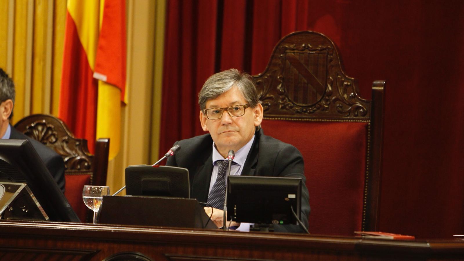 El president en funcions, Vicenç Thomàs, encara podria conduir un segon ple.