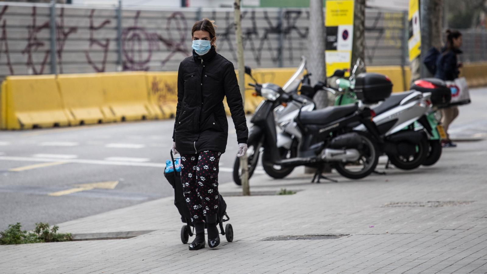 Protecció Civil recomana tapar-se el nas i la boca per anar a comprar i 2.335 morts a Catalunya: les claus del dia, amb Antoni Bassas (03/04/2020)