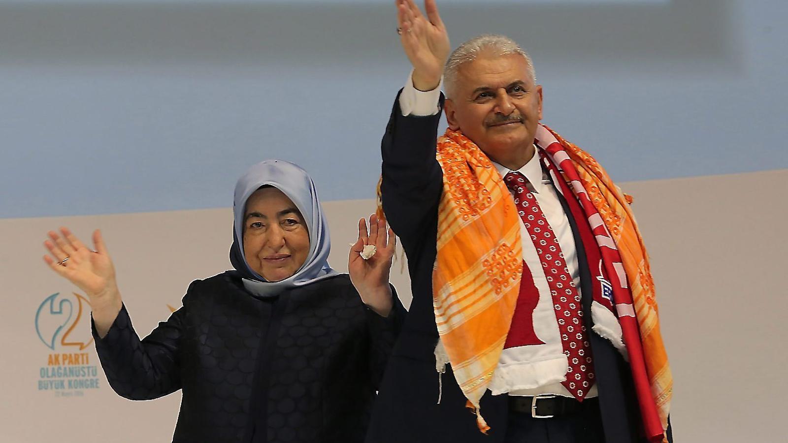 Binali Yildirim va ser escollit ahir per l'AKP com a nou primer ministre.