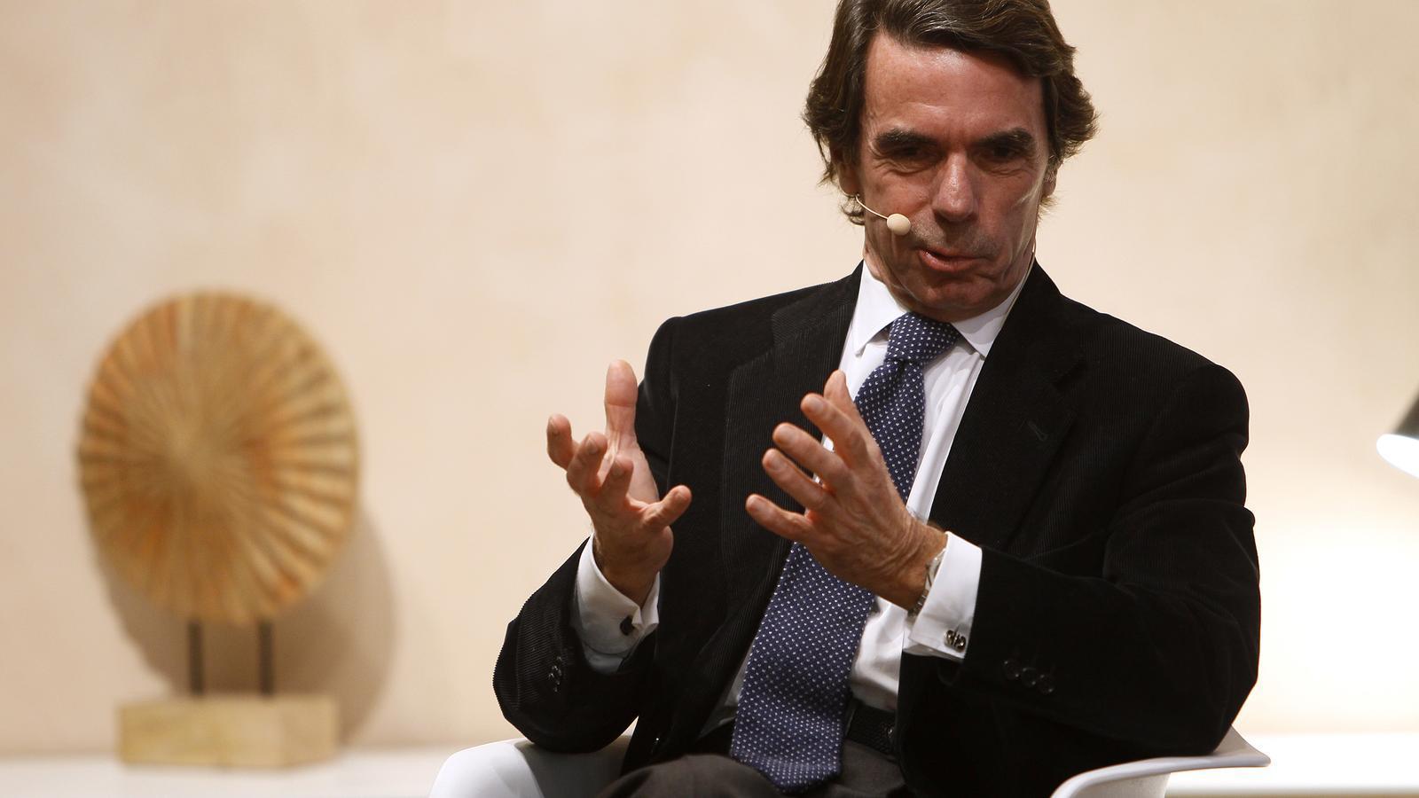 José María Aznar somriu durant la seva intervenció.