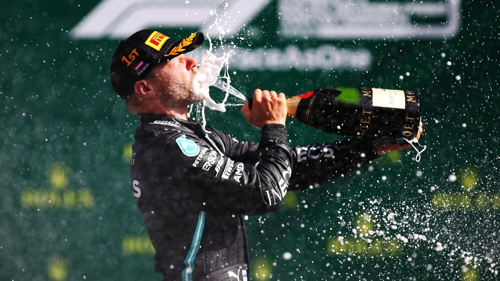 Valtteri Bottas celebrant el seu triomf a Àustria.