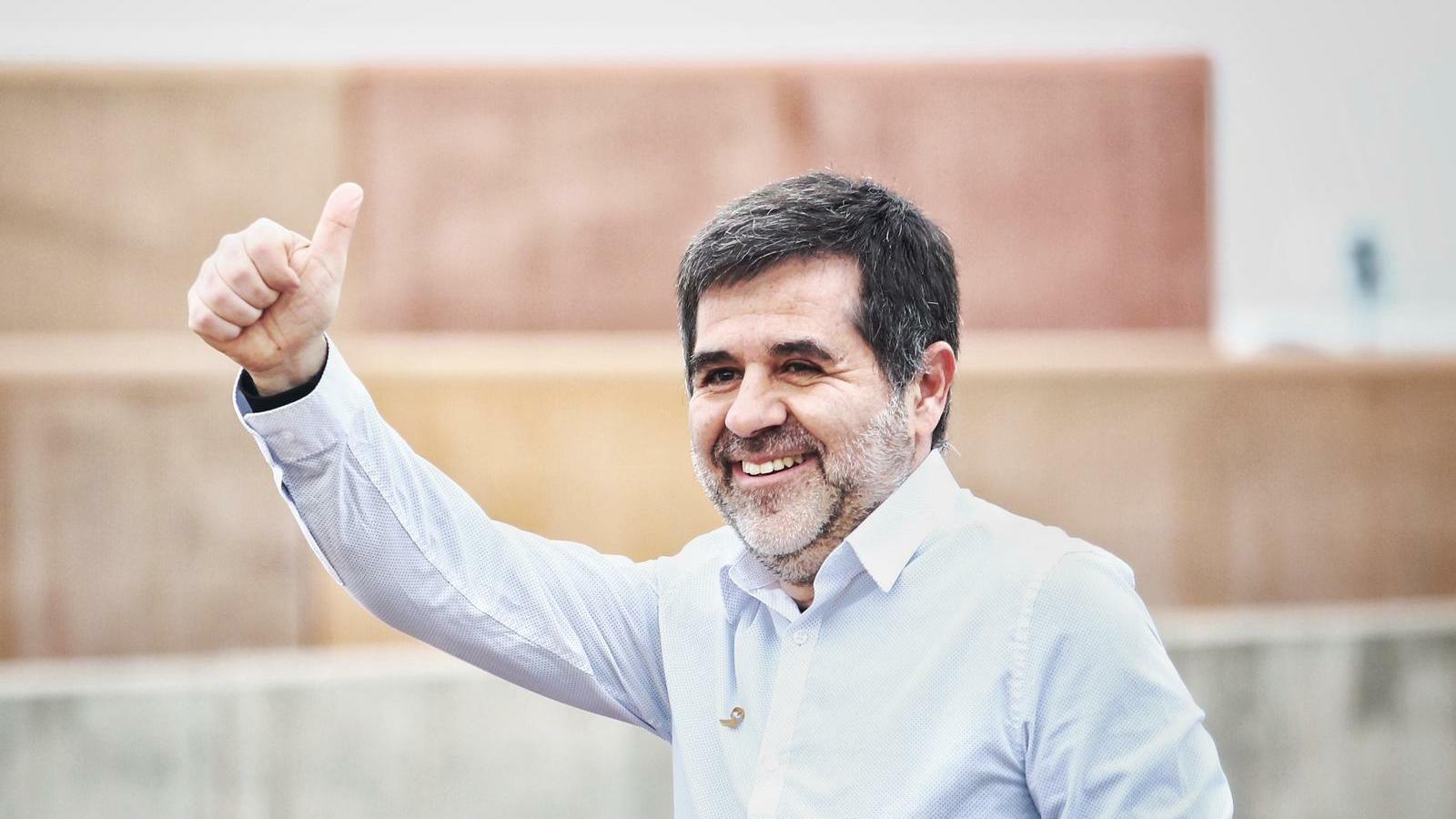 Jordi Sànchez surt de la presó de Lledoners per gaudir del seu primer permís penitenciari