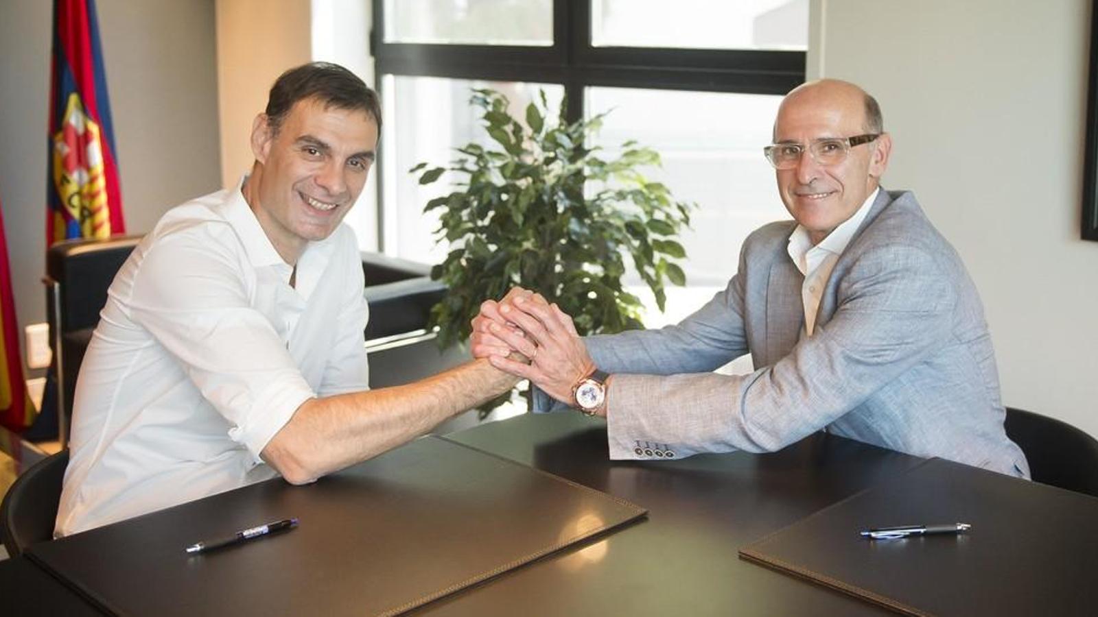 Georgios Bartzokas signa el seu nou contracte amb el Barça Lassa de bàsquet