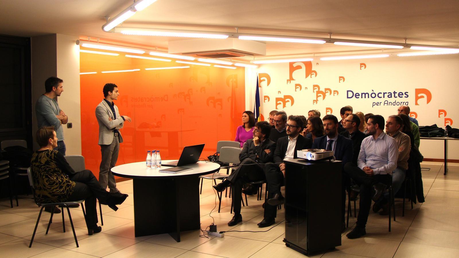 Un moment de la jornada de treball sobre abstencionisme que han dut a terme Demòcrates per Andorra. / M. F. (ANA)