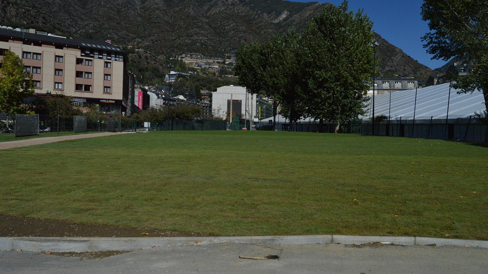 La zona de l''skate park', d'on s'ha retirat ja l'asfalt. / M. F. (ANA)