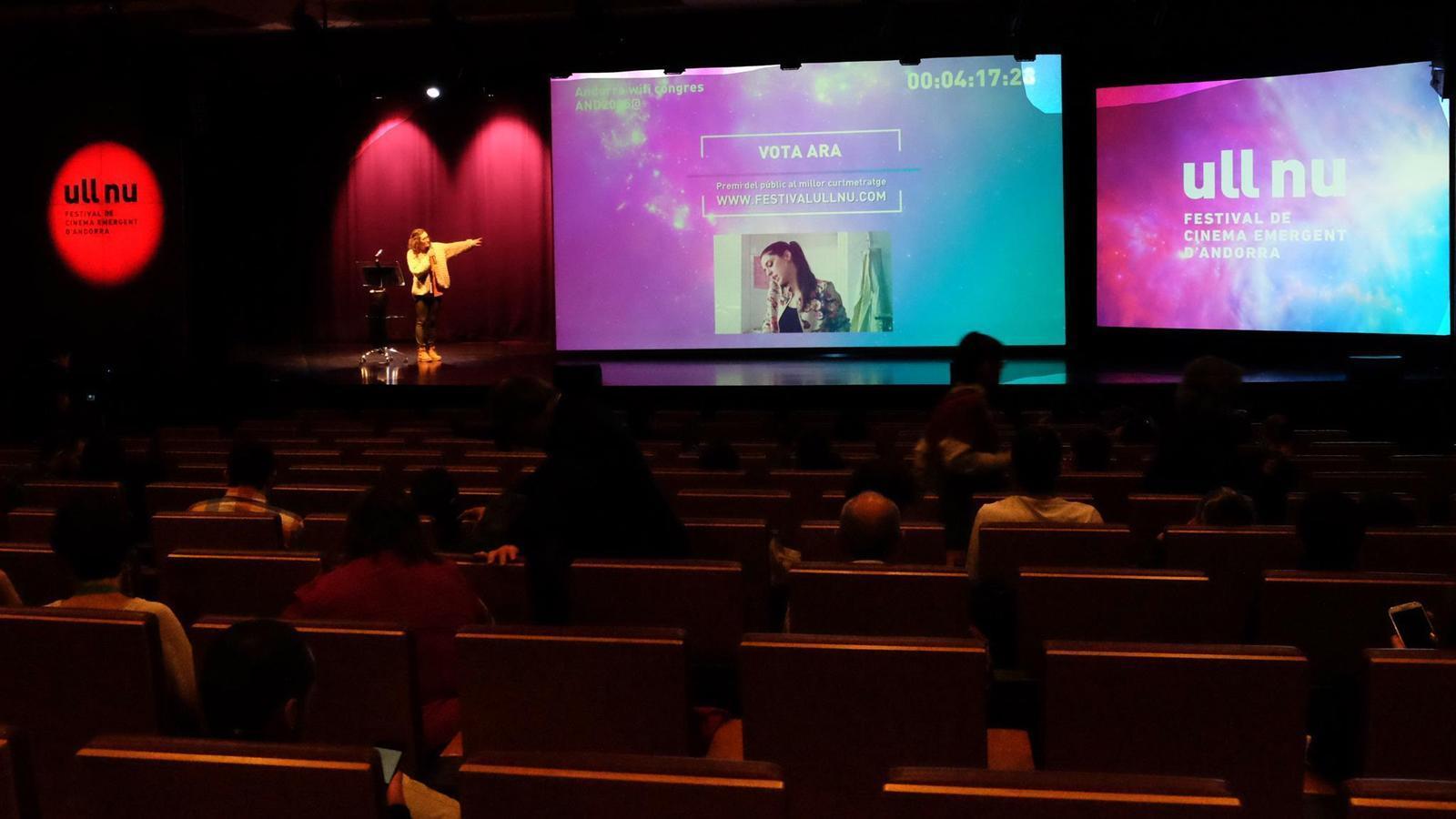Retransmisió en directo de la gala d'entrega de premis del 6è Festival de cinema emergent d'Andorra, Ull Nu.