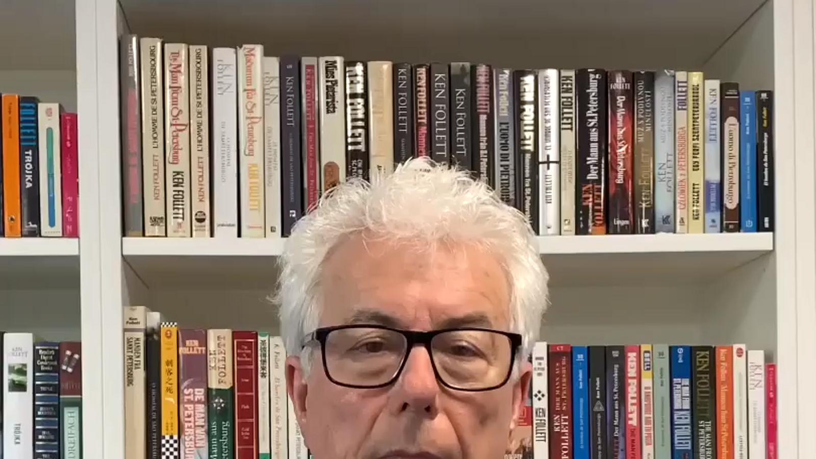 Ken Follet vol demostrar als seus lectors del continent quant els estima