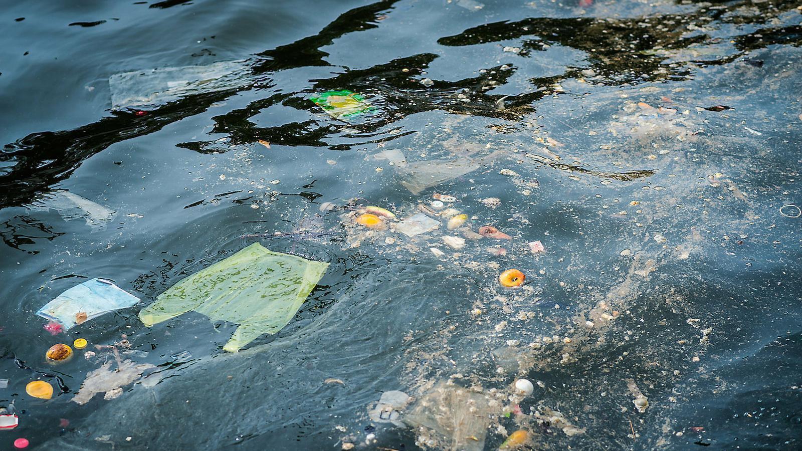 3,7 tones de plàstic suren entre Mallorca i Menorca