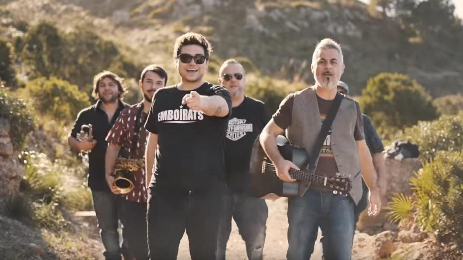 Imatge del videoclip d'Emboirats, 'Quin doi més gran'