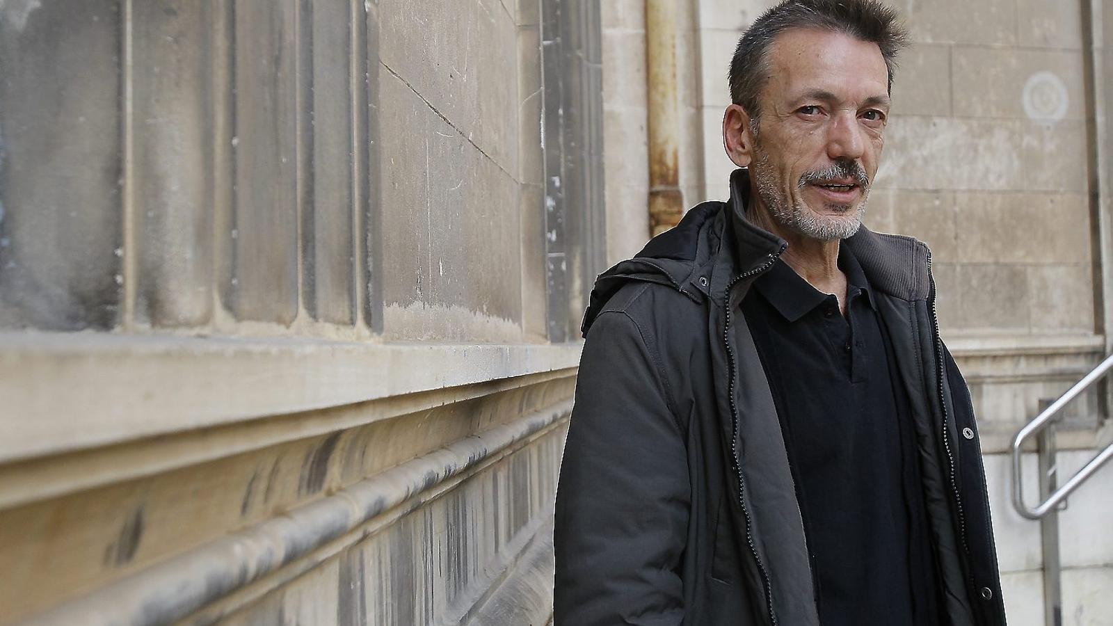 "Eduardo Pelegrín: ""Vull conservar la mirada infantil, sense prejudicis"""
