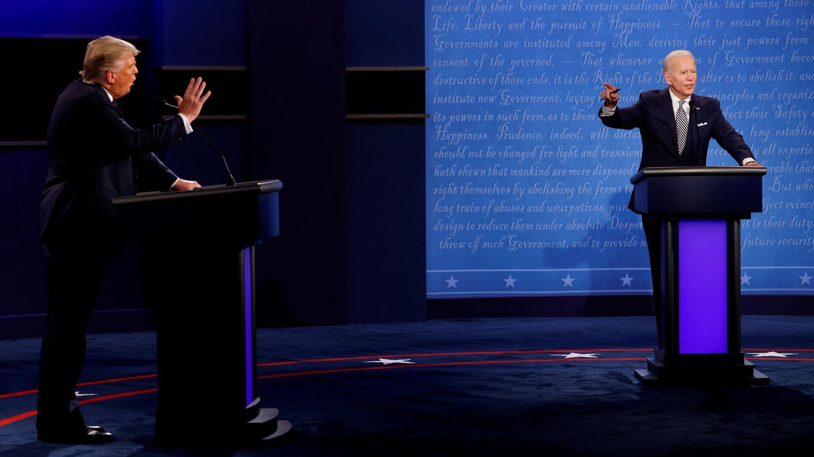 Una imatge del primer debat entre Donald Trump i Joe Biden, celebrat a Cleveland, Ohio, el passat 29 de setembre