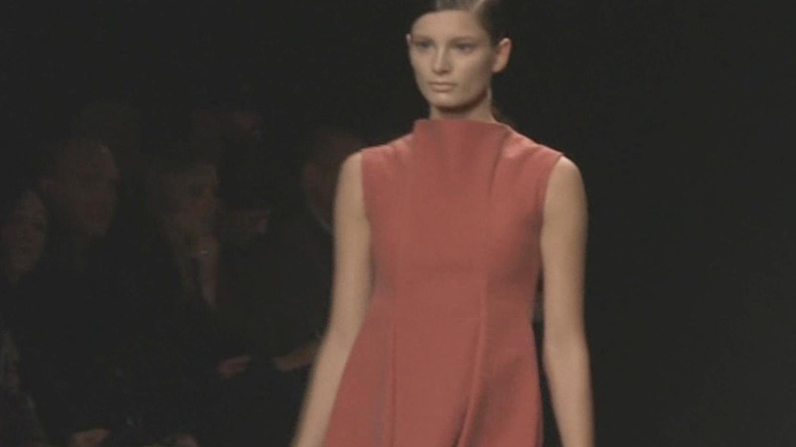 Calvin Klein aposta pel negre a la Setmana de la Moda de Nova York